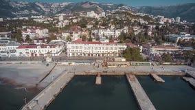 Opinión panorámica sobre el centro turístico famoso de Yalta metrajes