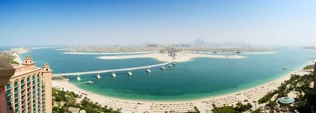 Opinión panorámica sobre la isla artificial de la palma de Jumeirah Imágenes de archivo libres de regalías