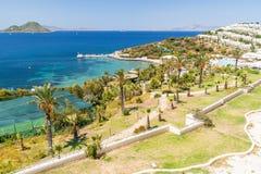 Opinión panorámica sobre la playa de Bodrum Foto de archivo libre de regalías