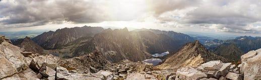 Opinión panorámica sobre las altas montañas de Tatra, Eslovaquia, Europa Fotografía de archivo libre de regalías