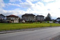 Opinión Pivka Postojna, región del pueblo de Prestranek Eslovenia de Ljubljana Notranjska fotos de archivo libres de regalías