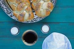 Opinión plana de la endecha de la tabla judía de la víspera de Shabbat Imagenes de archivo