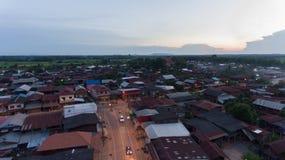 Opinión, pueblo y cielo de alto ángulo Fotografía de archivo libre de regalías