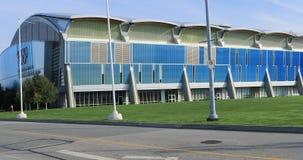 Opinión Richmond Olympic Oval en Columbia Británica, Canadá 4K almacen de metraje de vídeo