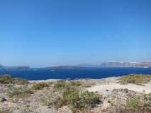 Opinión romántica de Santorini Foto de archivo