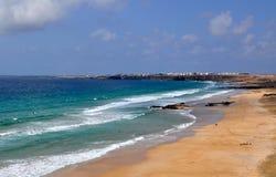 Opinión salvaje de la playa de la isla de Fuerteventura Fotografía de archivo libre de regalías