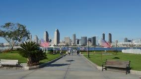 Opinión San Diego Skyline del parque centenario en la isla de Coronado almacen de video