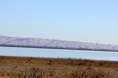 Opinión San Francisco Bay adyacente al puente de Dombarton, California Imagenes de archivo