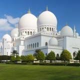 Opinión Sheikh Zayed Grand Mosque famoso Imágenes de archivo libres de regalías