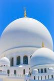 Opinión Sheikh Zayed Grand Mosque famoso, UAE Imagen de archivo libre de regalías