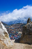 Opinión sobre el Bazar de Namche, distrito de Khumbu, Himalaya nepal Fotografía de archivo