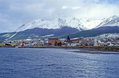 Opinión sobre el centro de Ushuaia - Tierra del Fuego, la Argentina Foto de archivo