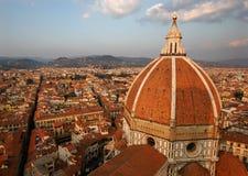 Opinión sobre el Duomo de Florencia Imágenes de archivo libres de regalías