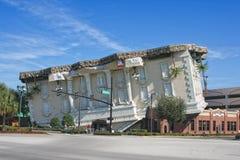 Opinión sobre el edificio al revés de Wonderworks Fotografía de archivo