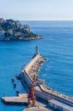Opinión sobre el faro y el mar en Niza Imagen de archivo libre de regalías