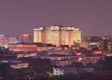 Opinión sobre el hotel en la noche, Pekín, China de Pekín Fotografía de archivo