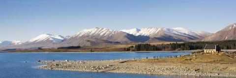Opinión sobre el lago pintoresco Tekapo con su color azul especial El lago Tekapo está en la isla del sur de Nueva Zelanda imagen de archivo libre de regalías