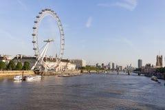 Opinión sobre el ojo en un día soleado, Londres, Reino Unido de Londres Foto de archivo