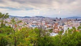 Opinión sobre el paisaje de Barcelona de la colina de Montjuic, España Imagenes de archivo