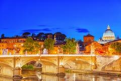 Opinión sobre el puente Vittorio Emanuele II Ponte Vittorio Emanuele II Imágenes de archivo libres de regalías