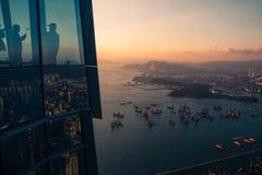 Opinión sobre el puerto de Victoria en Hong Kong fotografía de archivo