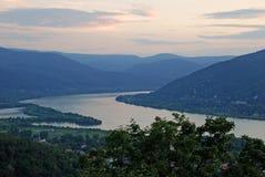 Opinión sobre el río Danubio Imagenes de archivo