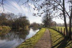 Opinión sobre el río Kromme Rijn, provincia Utrecht, los Países Bajos Este río está cerca de en Amelisweerd de Rhijnauwen fotos de archivo