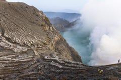 Opinión sobre el volcán de Ijen desde arriba fotos de archivo libres de regalías