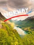 Opinión sobre Geirangerfjord del punto de vista Noruega de Flydasjuvet Fotos de archivo