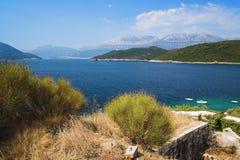 Opinión sobre la bahía de Kotor Imagenes de archivo