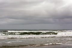 Opinión sobre la costa de Texel Provincia de Holanda Septentrional, los Países Bajos Un día tempestuoso y lluvioso en otoño foto de archivo