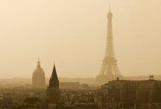 Opinión sobre la torre Eiffel Imágenes de archivo libres de regalías