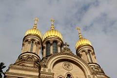 Opinión sobre las agujas de la iglesia rusa en el neroberg en Wiesbaden Hesse Alemania fotografía de archivo libre de regalías