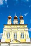 Opinión sobre las cúpulas rusas de la iglesia Imagen de archivo libre de regalías
