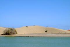 Opinión sobre las dunas de Maspalomas en las Canarias Gran Canaria, España Imagen de archivo