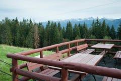 Opinión sobre las montañas de Zakopane Tatras de Gubalowka imagen de archivo