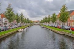 Opinión sobre Nieuwstad y Oudegracht en Weesp el 2017 holandés Foto de archivo