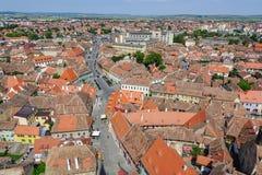 Opinión sobre Sibiu de la basílica evangélica Imagenes de archivo