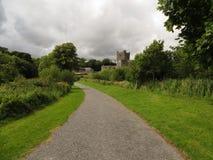 Opinión sobre un castillo viejo Imagen de archivo libre de regalías