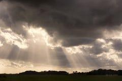 Opinión sobre un cloudscape dramático y hermoso en la isla de Texel, provincia Holanda Septentrional, los Países Bajos imagenes de archivo