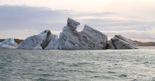 Opinión sobre un iceberg Imágenes de archivo libres de regalías