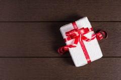 Opinión superior de la caja de regalo de la Navidad con el espacio de la copia Fotografía de archivo libre de regalías