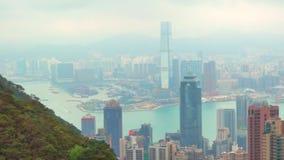 Opinión superior de la ciudad de Hong Kong con la contaminación y la nube almacen de metraje de vídeo
