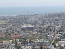 Opinión superior de la pequeña ciudad india que parece muy buena Imágenes de archivo libres de regalías