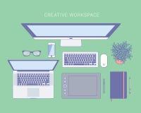 Opinión superior del espacio de trabajo imagen de archivo libre de regalías