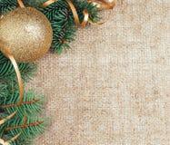 Opinión superior del fondo rústico de la decoración del Año Nuevo de la Navidad Foto de archivo
