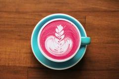 Opinión superior del latte de las remolachas Fotos de archivo libres de regalías
