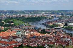 Opinión superior del tejado de la ciudad de Praga Foto de archivo libre de regalías