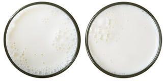 Opinión superior del vidrio de leche aislada Foto de archivo libre de regalías