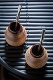 Opinión superior el compañero del yerba con bombilla y la calabaza Imagen de archivo